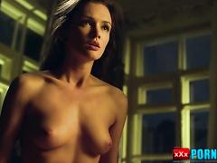 Bed scene with Paulina Andreyeva