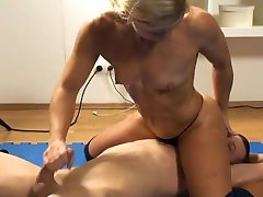 hardbody blonde wrestling