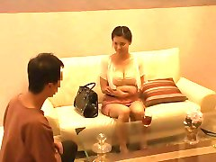Thai Massage Causes Her To Get Extremly Wet