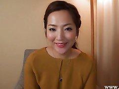 Japanese housewife NATSUMI