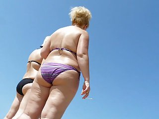 Russian Sexy Mature in the beach! Amateur voyeur!